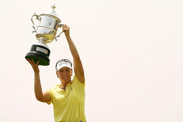 月曜日のプレーオフを制しメジャー10勝目を達成したアニカ・ソレンスタム(Nick Laham/Getty Images) 2009年 全米女子オープン アニカ・ソレンスタム