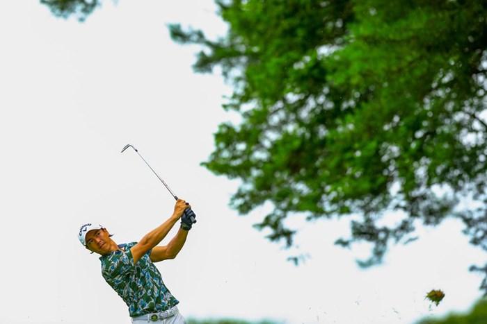 雨の中ラウンドとなった大会初日(JGTO/JGTO images) 2020年 ゴルフパートナー エキシビショントーナメント(非公式) 初日 石川遼