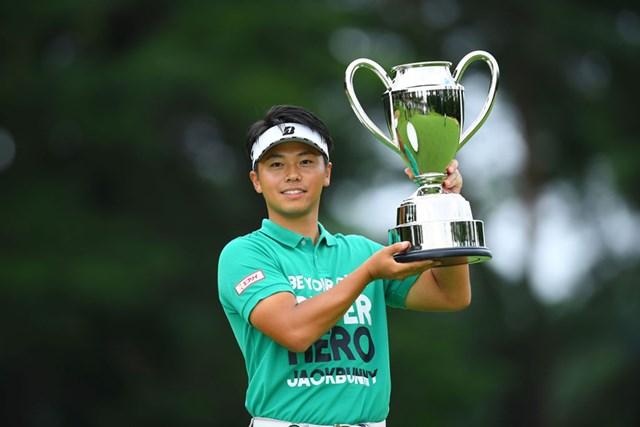 22歳の関藤直熙が優勝を飾った(JGTO/JGTO images)