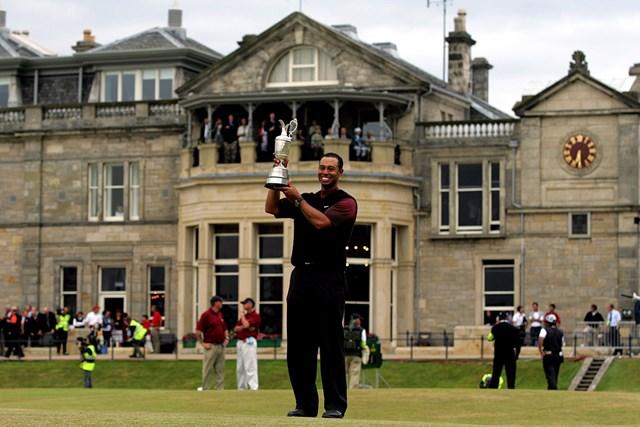 2005年 全英オープン 最終日 タイガー・ウッズ ウッズが史上2人目のダブルグランドスラムを達成( Jamie SquireGetty Images)
