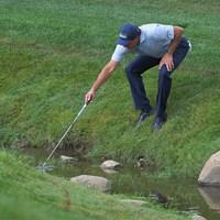 50歳のフィル・ミケルソン。大会2日目、17番ではこんなシーンも(Stan Badz/PGA TOUR via Getty Images) 2020年 ザ・メモリアルトーナメント 2日目 フィル・ミケルソン