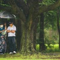 森本キャディは6月のアース・モンダミンカップで成田美寿々のバッグを担いだ(Ken Ishii/Getty Images) 2020年 アース・モンダミンカップ 成田美寿々