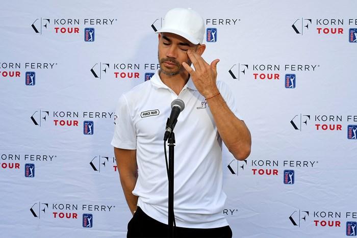 6月の「コーンフェリーチャレンジ」の際に涙ながらに娘の病気を告白していたカミロ・ビジェガス(Stan Badz/PGA TOUR via Getty Images) 2020年 カミロ・ビジェガス