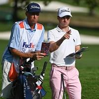 ボーンズことジム・マッケイ氏(左)との即席コンビも奏功(Ben Jared/PGA TOUR via Getty Images) 2020年 WGCフェデックス セントジュード招待 4日目 ジャスティン・トーマス