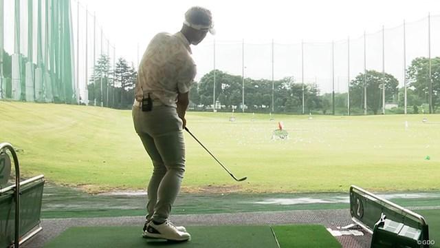 プロギア 0 ウェッジを筒康博が試打「ゴルフを教えてくれる先生」 「フェースを見なくてもどこで当たったか大体分かる」と筒