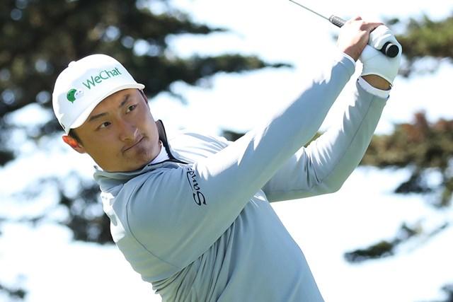 2020年 全米プロゴルフ選手権 2日目 李昊桐 単独首位で折り返した李昊桐。キャップには「WeChat」の文字が入る(Christian Petersen/PGA of America via Getty Images)