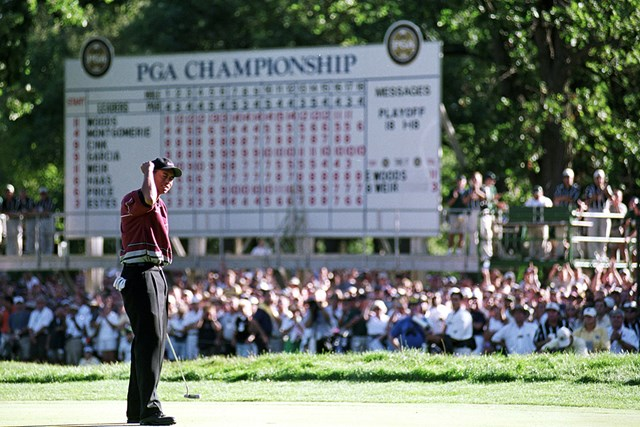 1999年 全米プロゴルフ選手権 最終日 タイガー・ウッズ 最後は逃げ切ったウッズ。ガルシアの追い上げを交わした(Harry How  Allsport)