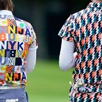 若いプロたちの間では華やかなウェアが人気だ(代表撮影:岡沢裕行) 2020年 NEC軽井沢72ゴルフトーナメント 3日目 ゴルフウェア