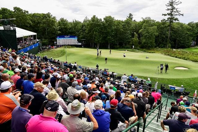 2020年 ザ・ノーザントラスト 事前 TPCボストン18番ホール 無観客開催でスタンドがない分、左サイドの硬いエリアを転がっていく可能性も※撮影は2016年「ドイツバンク選手権」(Ryan Young/PGA TOUR via Getty Images)
