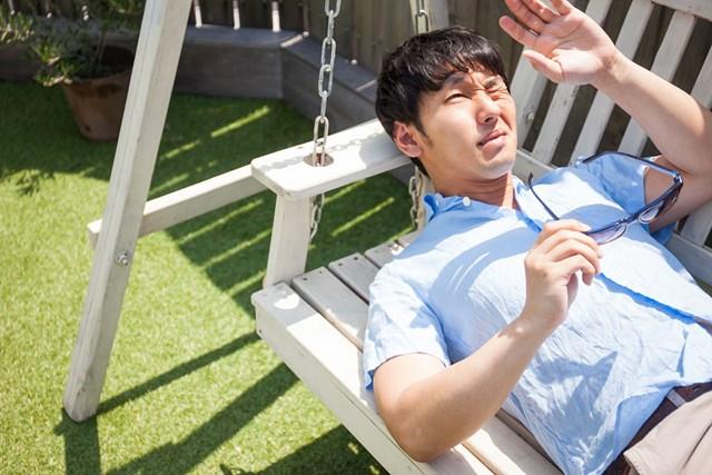 日焼けが体に及ぼす影響 日焼けの対策してますか?(提供:ぱくたそ、model by 大川竜弥)