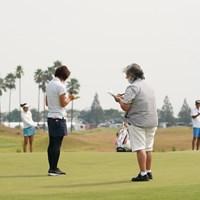 開幕先日にコースを視察する岡本綾子コースセッティング担当(右) 2020年 日本女子プロゴルフ選手権大会コニカミノルタ杯 事前 岡本綾子