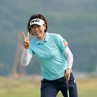 おっ、珍しい~ピースした~、いいじゃん 2020年 日本女子プロゴルフ選手権大会コニカミノルタ杯 初日 大山志保