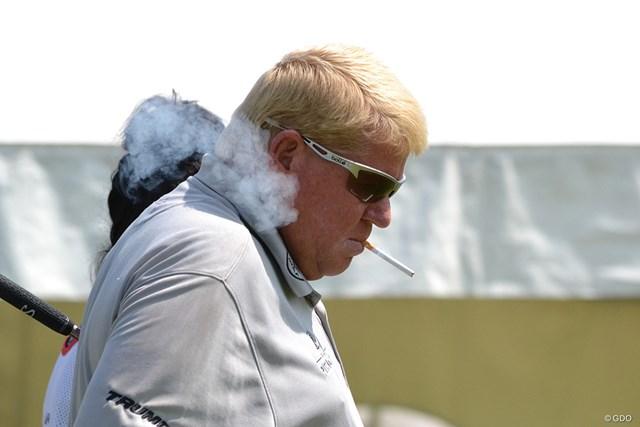 ジョン・デーリー 紫煙をくゆらすのはトレードマークだったが…