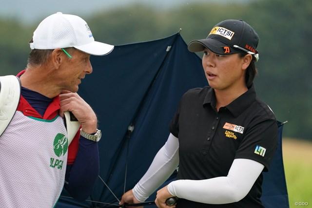 2020年 日本女子プロゴルフ選手権大会コニカミノルタ杯 2日目 笹生優花 ラウンド中、びっくりした表情を見せる笹生優花