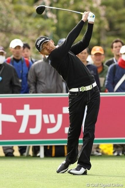 2010年 東建ホームメイトカップ 初日 岩田寛 開幕戦初日で首位タイと、絶好のスタートを切った岩田寛