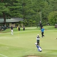 18番はガードバンカーに入れてボギーフィニッシュ。それでも後続に5打差をつける完勝だった 2020年 日本シニアオープンゴルフ選手権競技 最終日 寺西明