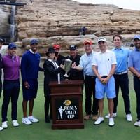 ウッズとトーマス、マキロイとローズが組んだチャリティマッチ。表彰式にはジャック・ニクラス、ゲーリー・プレーヤーらの姿も(Tom Pennington/Getty Images for Payne's Valley Cup) 2020年 タイガー・ウッズ