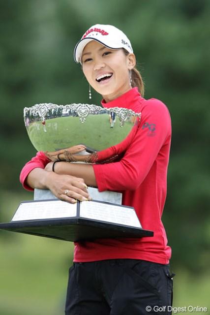 「何回勝っても幸せ」と話した上田桃子(写真は2008年ミヤギテレビ杯ダンロップ女子オープン)