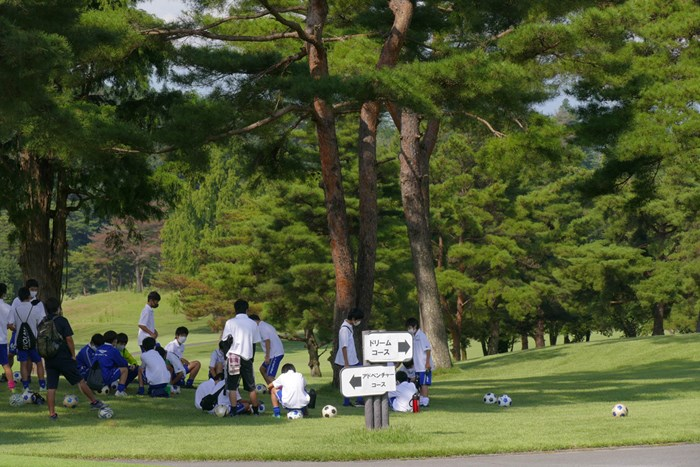 ここは間違いなくゴルフ場です サッカー少年/高橋陽一カップ2020