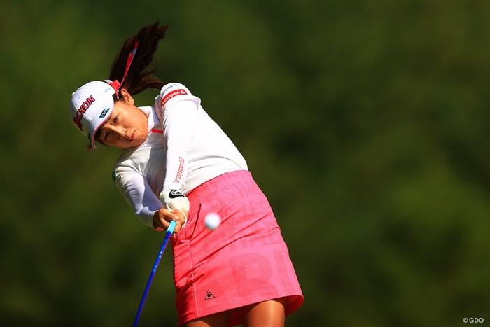 この瞬間でボールを追えている動体視力の良さ。 2020年 日本女子オープンゴルフ選手権 初日 菅沼菜々
