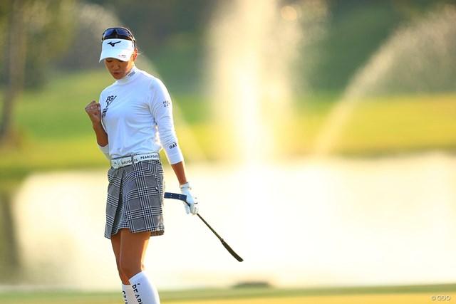 2020年 日本女子オープンゴルフ選手権 2日目 原英莉花 8mを沈めてバーディ締め。優勝戦線に残った原英莉花