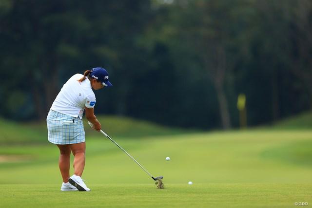 2020年 日本女子オープンゴルフ選手権 最終日 鈴木愛 Hole2Par4。セカンドショット
