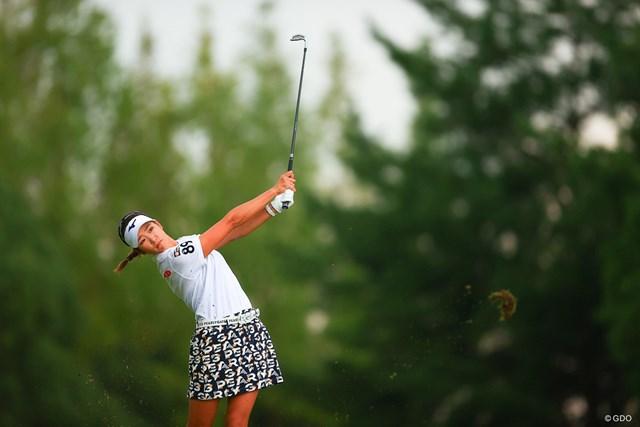 2020年 日本女子オープンゴルフ選手権 最終日 原英莉花 ショットを放つ原英莉花