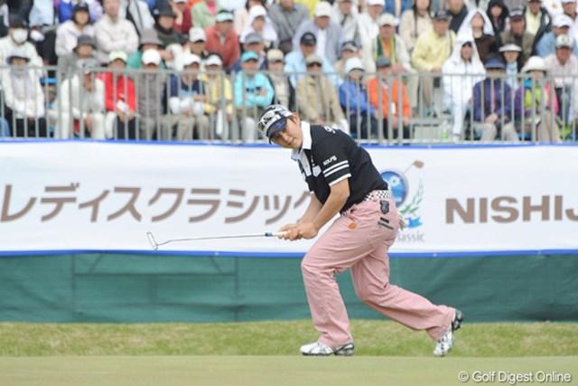 天沼知恵子/西陣レディスクラシック最終日 最終18番、このバーディパットが決まれば天沼知恵子の優勝だった・・・