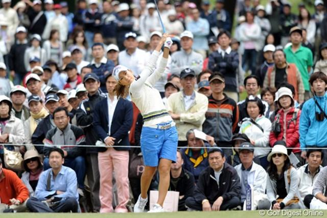 上田桃子/西陣レディスクラシック最終日 1万3298人もの大ギャラリーが詰め掛けた最終日。上田桃子は残念ながら優勝することが出来なかった