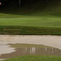 雨でバンカーは水たまり状態、今週も天気が心配 2020年 スタンレーレディスゴルフトーナメント 事前 9番