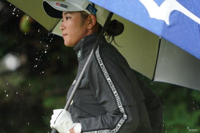 2020年 スタンレーレディスゴルフトーナメント 初日 原英莉花 この風と雨にはかないませんよっと