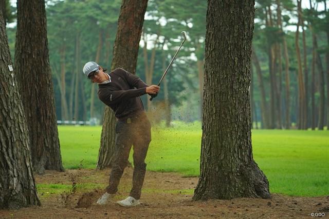 2020年 日本オープンゴルフ選手権競技 事前 石川遼 あえて林からの脱出を練習してました。