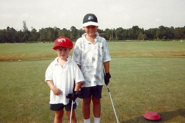 ブルックス・ケプカ ブルックス・ケプカ(右)は弟のチェイスとともにプロゴルファーへの道を進んだ(提供:PGATOUR)