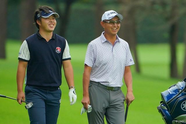 2020年 日本オープンゴルフ選手権競技 初日 谷口徹 今野大喜 若手とのラウンドで勢い見せた谷口徹(右)