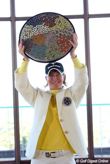 2010年 フジサンケイレディスクラシック 事前情報 タミー・ダーディン 36Hに短縮された昨年はT.ダーディンが勝者に。川奈の風に翻弄される大会となった