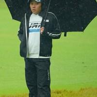 寒い雨の中、置いていかれた子供みたいになってますけど。 2020年 日本オープンゴルフ選手権競技 3日目 池村寛世