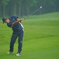 土砂降りの雨でも、ショットのキレは健在です。 2020年 日本オープンゴルフ選手権競技 3日目 杉原大河