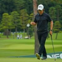 最終18番、バーディフィニッシュにガッツポーズ! 2020年 日本オープンゴルフ選手権競技 4日目 石川遼
