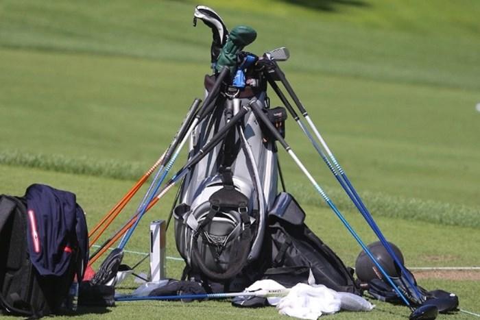 様々なクラブを試す選手のバッグ(協力/GolfWRX、PGATOUR.COM) 2021年 ザ・CJカップ@シャドークリーク 最終日 キャディバッグ