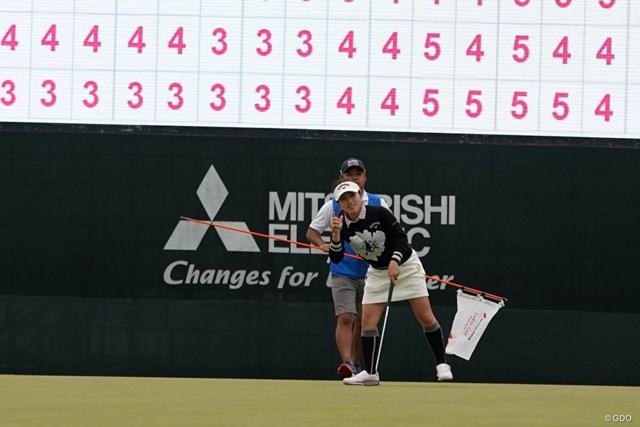 2020年 樋口久子 三菱電機レディスゴルフトーナメント 3日目 西村優菜 優勝を決めて。リアクションは小さめだった