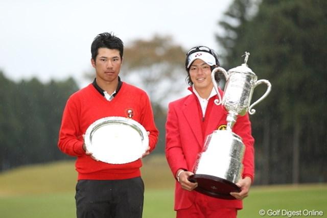 2020年 石川遼 石川遼(右)が2年ぶりに優勝。当時アマチュアの松山英樹と記念撮影
