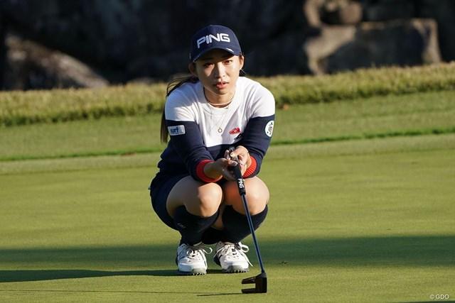 2020年 伊藤園レディスゴルフトーナメント  初日 大出瑞月 オーストラリア人のコーチとのやり取りはLINEで。今どきの22歳、大出瑞月が2位発進