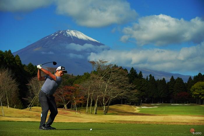 今日は富士山もご機嫌。 2020年 三井住友VISA太平洋マスターズ 2日目 稲森佑貴