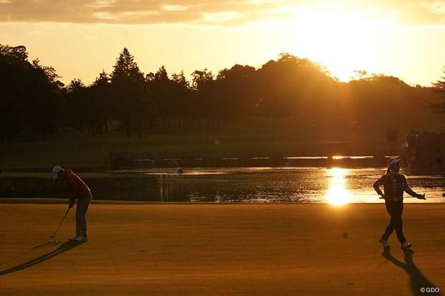 2020年 伊藤園レディスゴルフトーナメント 初日 朝 幻想的な一枚