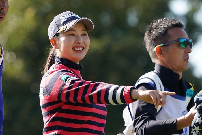 ラウンド中の笑顔 2020年 伊藤園レディスゴルフトーナメント 初日 小祝さくら