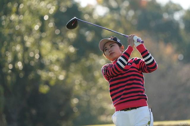 2020年 伊藤園レディスゴルフトーナメント 2日目 安田祐香 キラキラショットを放つ安田祐香