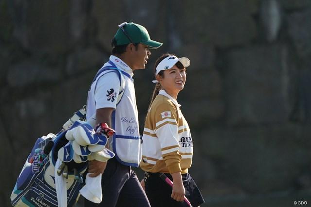 2020年 伊藤園レディスゴルフトーナメント 2日目 吉本ひかる 笑顔でラウンドする吉本ひかる