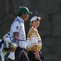 笑顔でラウンドする吉本ひかる 2020年 伊藤園レディスゴルフトーナメント 2日目 吉本ひかる