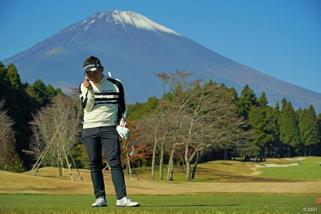 2020年 三井住友VISA太平洋マスターズ 3日目 池村寛世 富士山の前でポーズ決めてます。