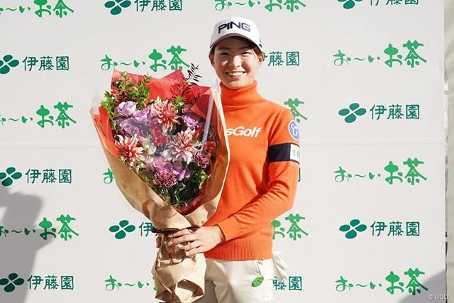 2020年 伊藤園レディスゴルフトーナメント 最終日 渋野日向子 22歳の誕生日を祝福される渋野日向子